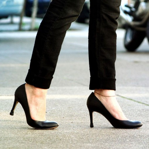 QUICK TIPS Small Heel Cap on Black High Heels